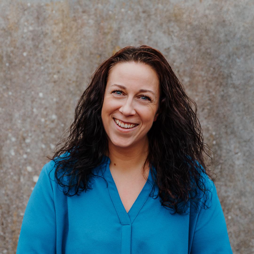 Jeg hedder Sarah, og jeg er personlig træner hos Sund fornuft. Hos mig får du skræddersyet program, der passer dine ønsker og mål.